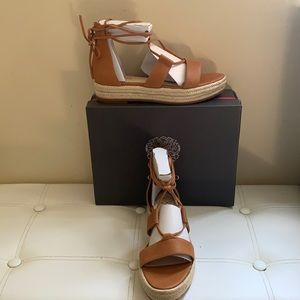 VINCE CAMUTO SANDALS, LEATHER, SIZE 9M